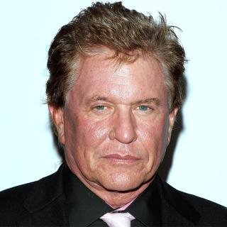 [Image of Tom Berenger]