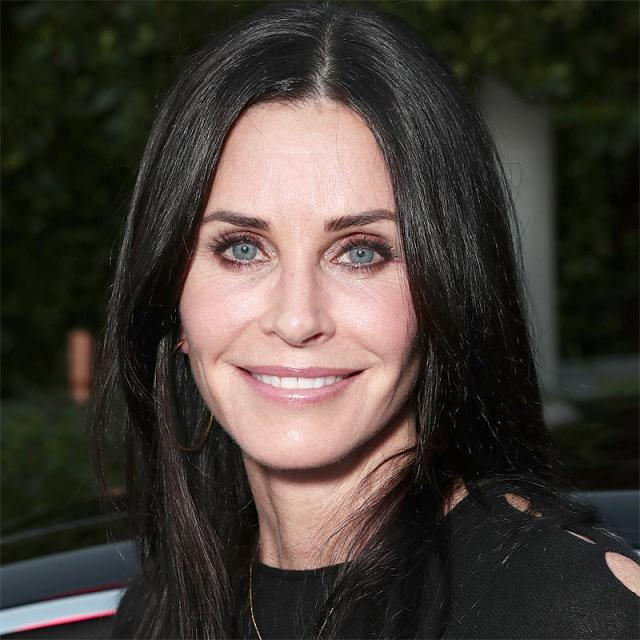 [Image of Courteney Cox]