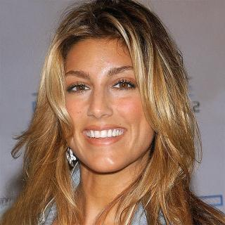 [Image of Jennifer Esposito]