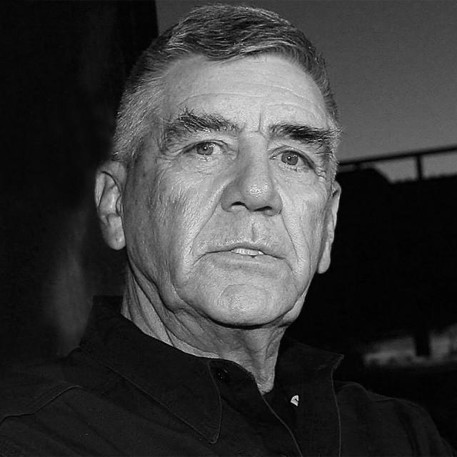 [Image of R. Lee Ermey]