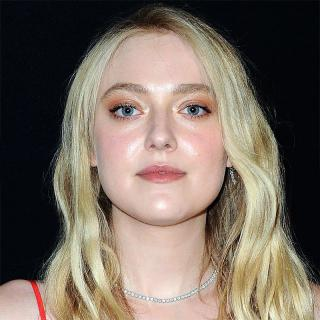 [Image of Dakota Fanning]