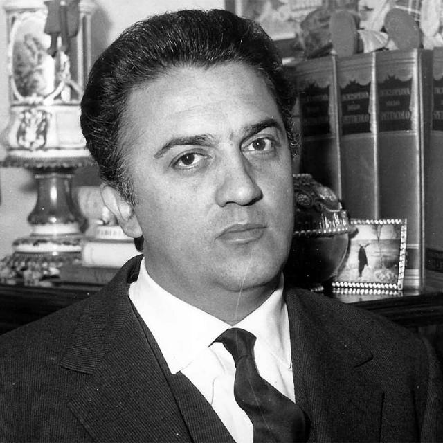 [Image of Federico Fellini]