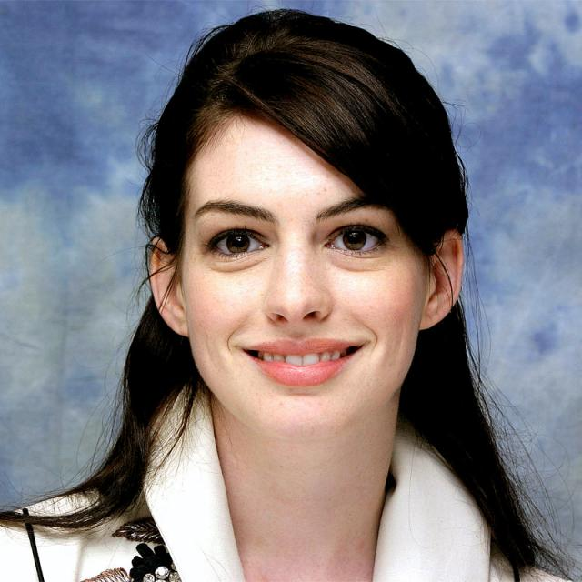 How Tall Is Anne Hathaway? Height Of Anne Hathaway