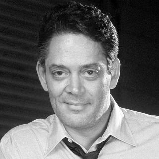 [Image of Raul Julia]