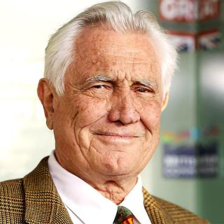[Image of George Lazenby]