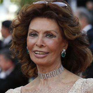 [Image of Sophia Loren]