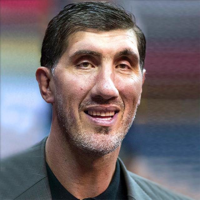 [Image of Gheorghe Muresan]