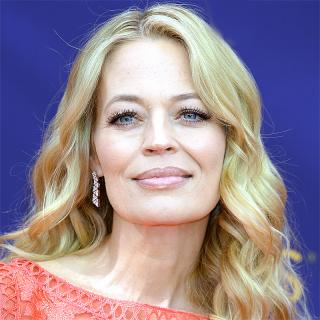 [Image of Jeri Ryan]
