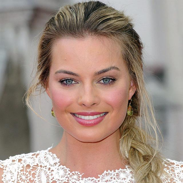 [Image of Margot Robbie]