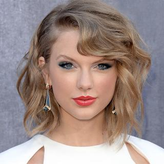[Image of Taylor Swift]